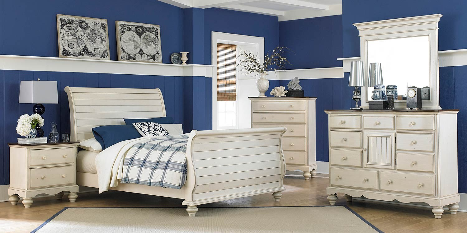 Hillsdale Furniture: Pine Island Collection